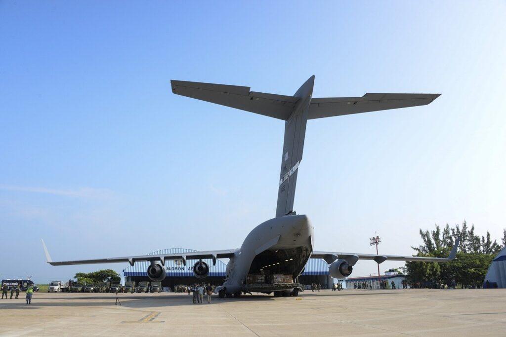 c-17 globemaster iii, cargo, plane